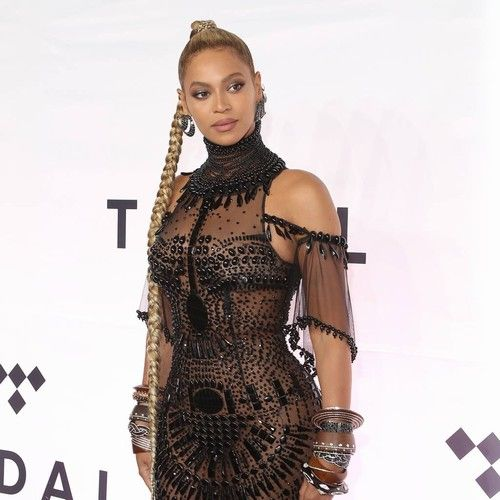 Beyonce put her 'genius' touch on JAY-Z's new album https://tmbw.news/beyonce-put-her-genius-touch-on-jay-zs-new-album  Beyonce signed off on every song on her rapper husband JAY-Z's confessional new album, according to his producer No I.D..The Empire State of Mind icon, real name Shawn Carter, debuted 4:44 on Friday (30Jun17) and shocked fans by delving deep into his personal life, opening up about his shortcomings in his relationship with Beyonce and publicly apologising to his superstar…