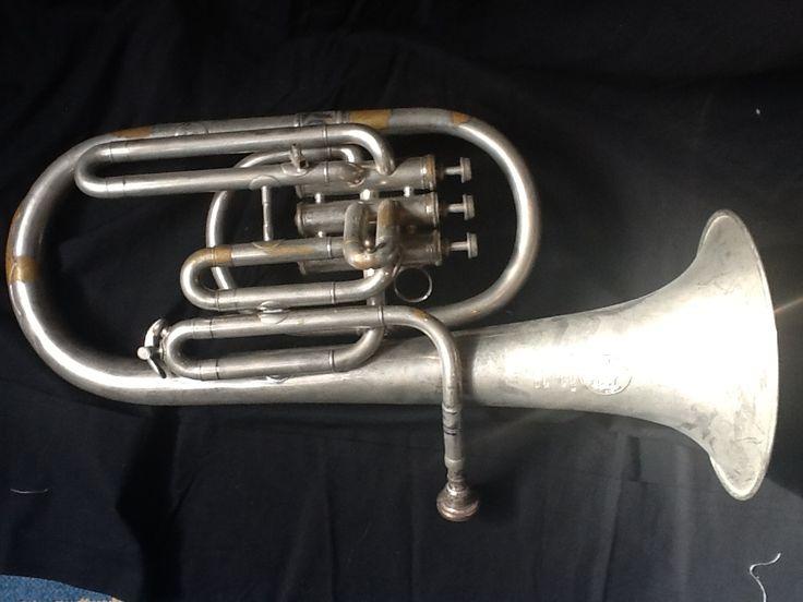 Althoorn Mahillon Bruxelles Es. Mijn allereerste instrument. Ik kreeg het in 1971