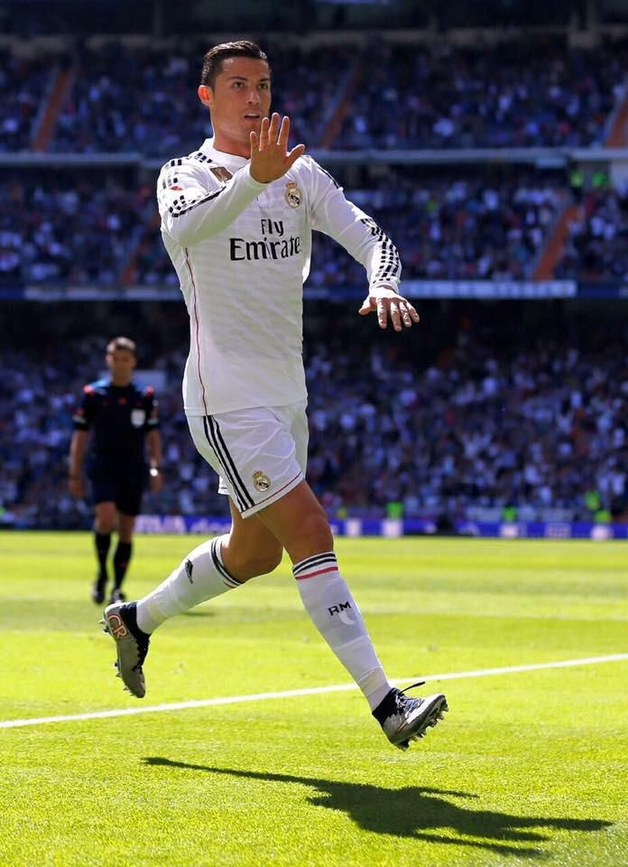 Cristiano scored 5 goals. As Madrid win over Granda with score 9-1. What a gr8 performance from CR7. @Cristiano