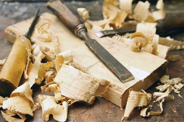 What Kinds of Woods Are Best for Carving?