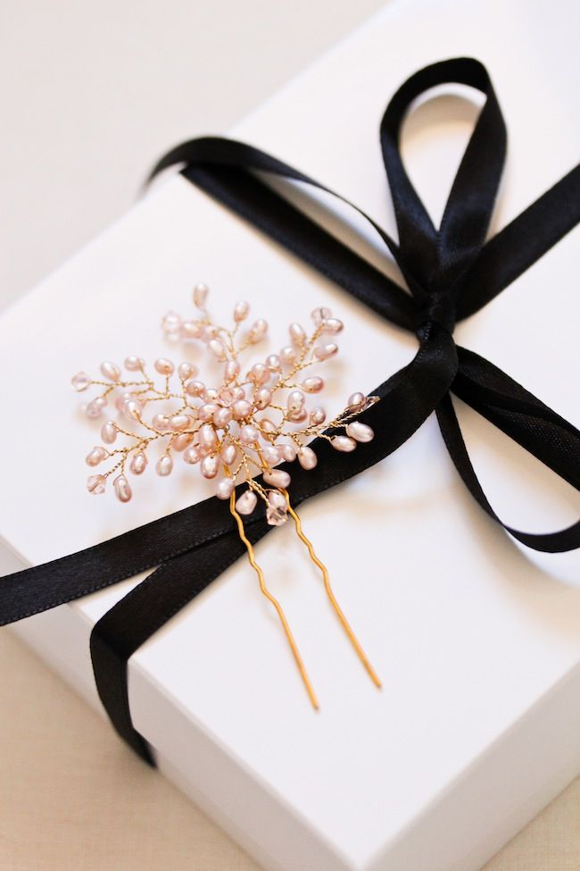 VERA champagne freshwater pearls bridal hair pins by @Percy Handmade