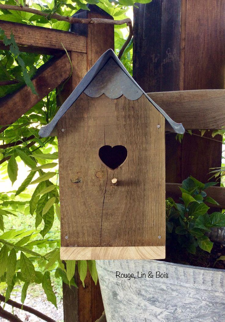 Nichoir en bois de pin Douglas toiture zinc et ouverture cœur : Accessoires de maison par rouge-lin-et-bois
