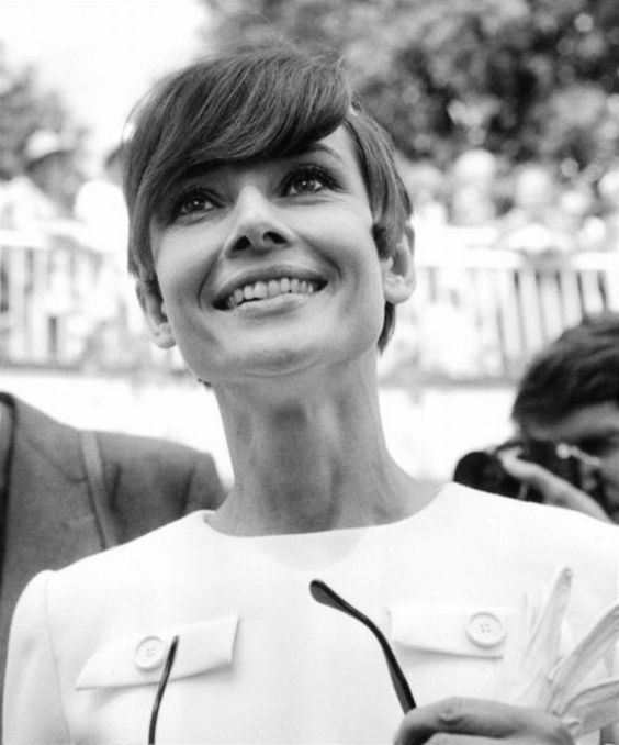 Celebrities at the races. Audrey Hepburn