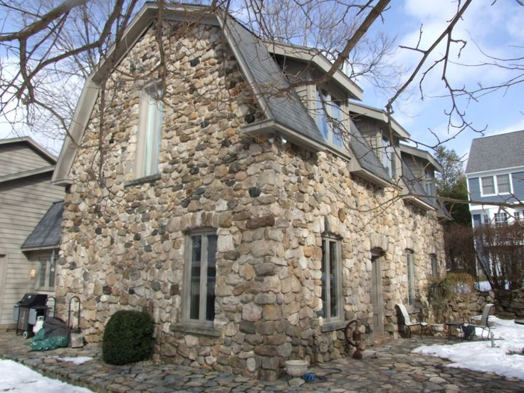 17 best images about field stone houses on pinterest for Fieldstone houses