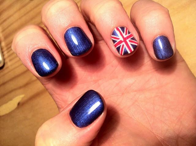 Brush up and Polish up!: CND Shellac Nail Art - Union Jack