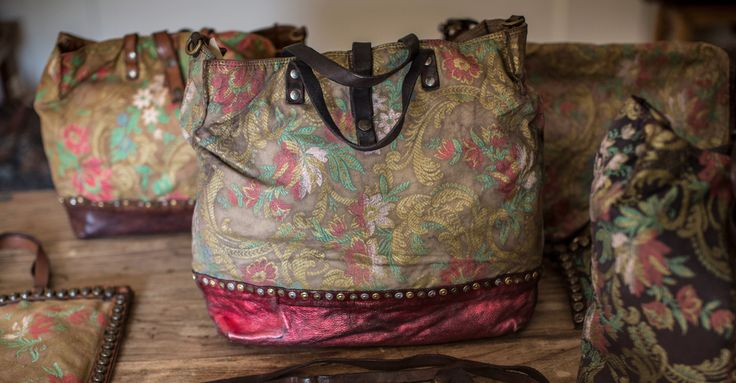 Campomaggi Handbags: Official on line shop Made in Italy