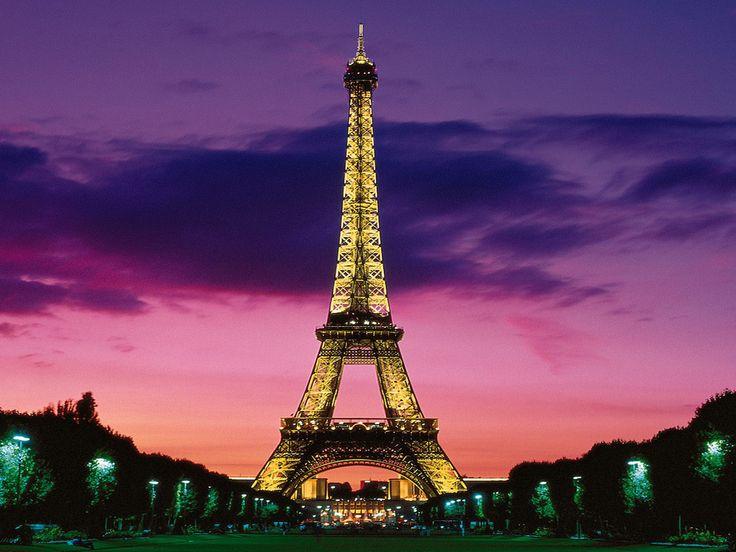 Eiffel Tower Closed Due to Staff Walkout - artnet News