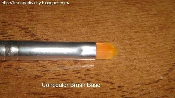 Concealerkwast (1821) http://www.eyeslipsface.nl/product-beauty/concealer-kwast-professionel