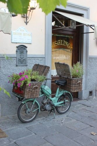 A bicycle for the side of the house. Plant something in the basket and an awkward spot becomes beautiful! All Vecchia Bettola