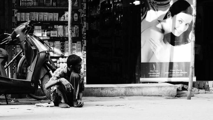 New Delhi, Pahar Ganj by Michał Szczepaniak , via 500px