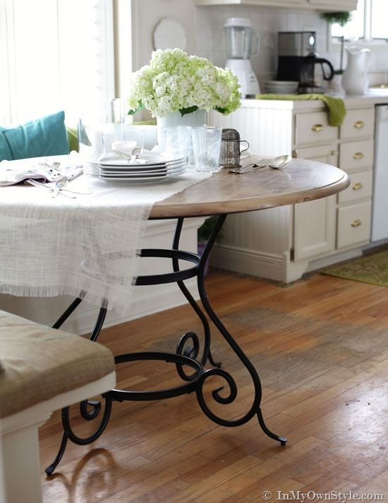 Kitchen Update – Painting Metal Furniture