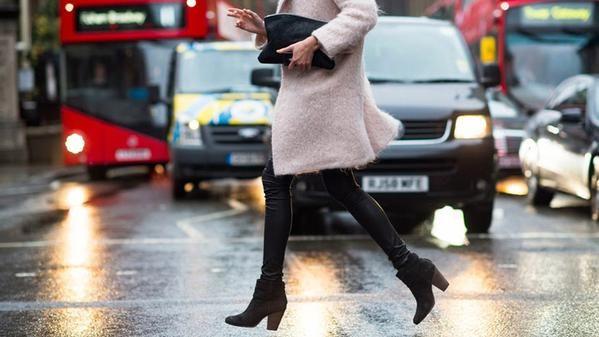 Recuerda, en #invierno protege tus #zapatos y #botas de la #lluvia con un buen producto impermeabilizador ;)