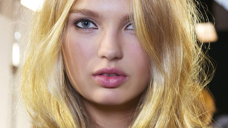 Teasing Is Back—Here's How to Do It Without Totally Destroying YourHair | StyleCaster