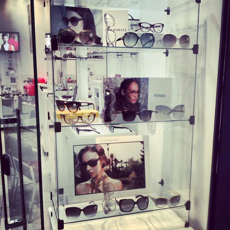 Vitrine Pucci, Fendi e Yves Saint Laurent #Visionaire #Optica #AguasClaras #Fendi #Pucci #YSL