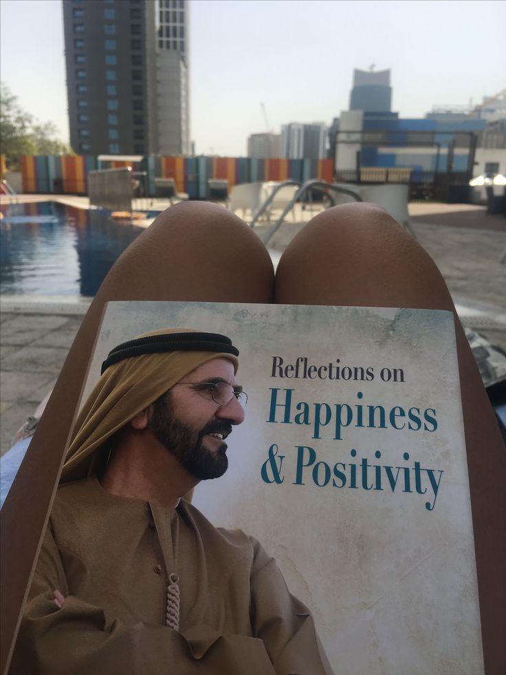 Dubai se inició con una visión, donde todos veían arena. El Sheik vio lo que nadie .... así nació el Sahara, principal ingreso turístico. Los logros empiezan con una visión positiva acerca de un futuro feliz, así empezó la construcción de este gran país.