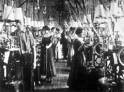 Buisness owners and investors made large profits during the boom, but their employees often worked long hours at low wages. In Quebec, most French canadians were given English speaking bosses with little chance for promotion. Immigrants sweated in dirty conditions in textile factories, metalworking foundries, and meatpacking plants.