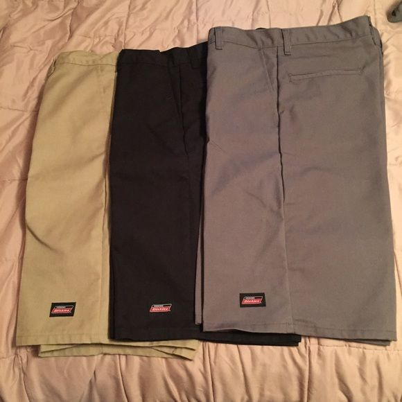 3 pairs of men's dickies shorts 3 pairs of brand new mens dickies shorts. size 30, relaxed fit, khaki, black, and charcoal grey 40$ on Ⓜ️ Dickies Shorts