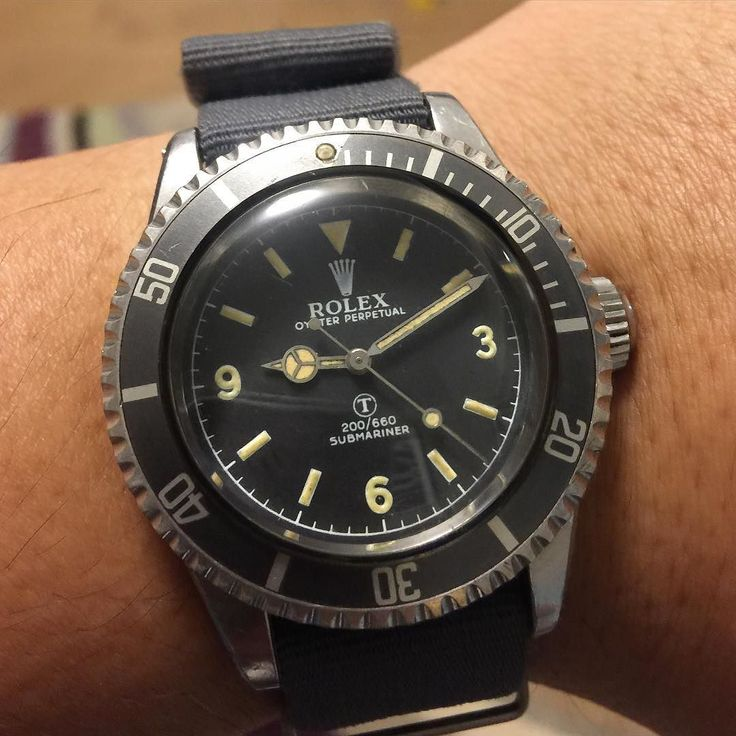 Can't wait to announce my first purchase in 2016  Rolex UK milsub A6538 with original German silver prototype bezel MOD burford 3-6-9 tritium dial and military engraving case back!! One of the best in the planet  thanks my good friend @timetodrive5 makes my dream come true and came out of the ground from famous milsub man @theoldwatchshop and thanks buddy @jedly1 teach me a lot of knowledge about this legendary milsub!! Cheers  #Rolex #rarerolex #rolexpassion #rolexvintage #vintagerolex…