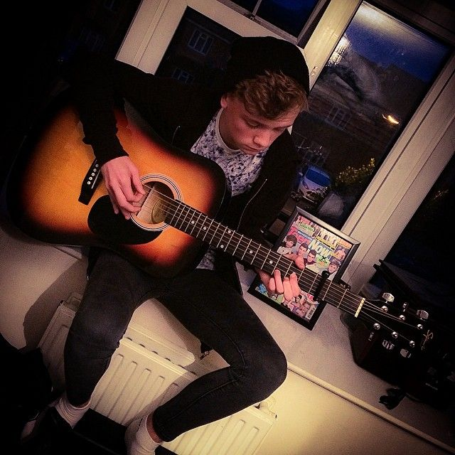 And the guitar??!!?