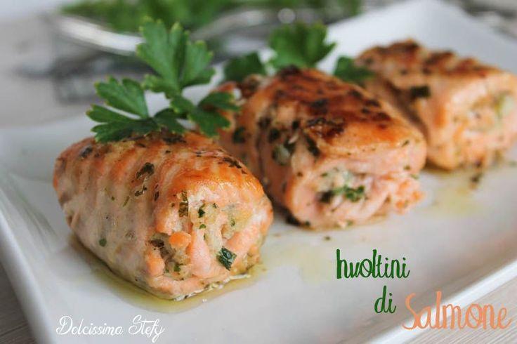 Per cena INVOLTINI DI SALMONE, un piatto semplice,ma davvero buono e d'effetto ;) provateli!!!