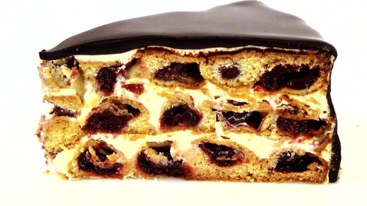 """Медовик интересной формы с вишнями - новая интерпретация торта """"Монастырская изба"""". Сметану в этом рецепте можно заменить сливками (при этом, необходимо умен..."""