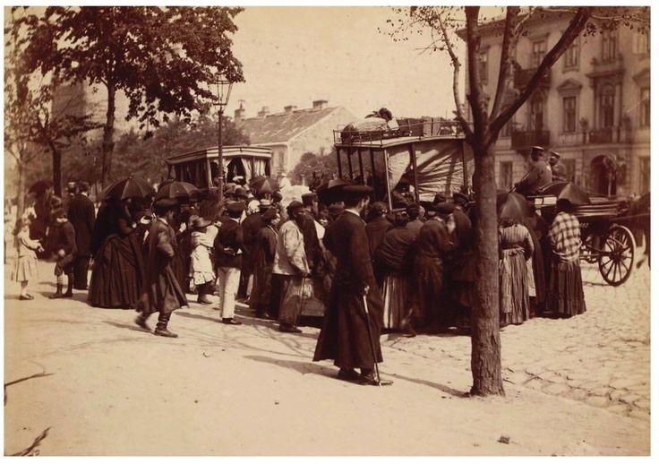 Przystanek omnibusów konnych w alei Jerozolimskiej, ok. 1890