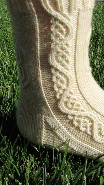 Ravelry: Galadriel pattern by Claire Ellen. Love the teeny cables!  (Extend these to kilt hose.)