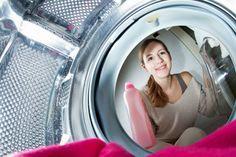 Smrdí vám práčka, umývačka? Zbavte sa mastnoty, vodného kameňa aj zápachu. Čítajte 5 rád