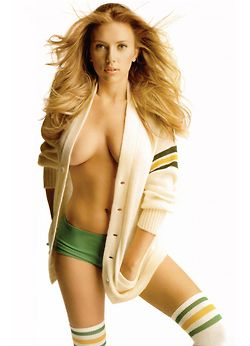 Always thought she was a gorgeous girl...In this pic she's not just gorgeous but really hot #scarlettjohannson
