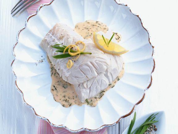 Dorsch mit Kräutersauce ist ein Rezept mit frischen Zutaten aus der Kategorie Meerwasserfisch. Probieren Sie dieses und weitere Rezepte von EAT SMARTER!