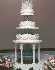 3 tier wedding cakes with columns