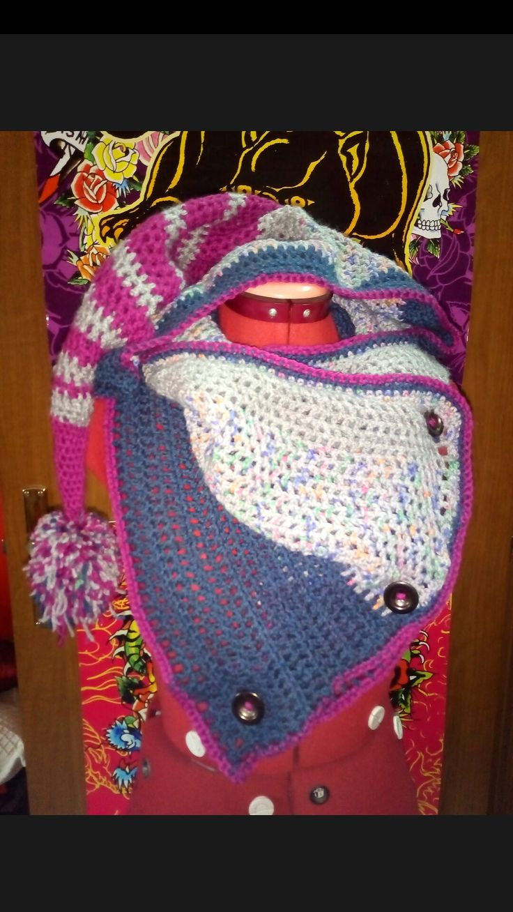 Uncinetto - sciarpa con bottoni e cappuccio da elfo