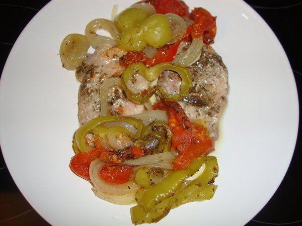 Cotlete de porc cu legume la cuptor - Bucataria cu noroc