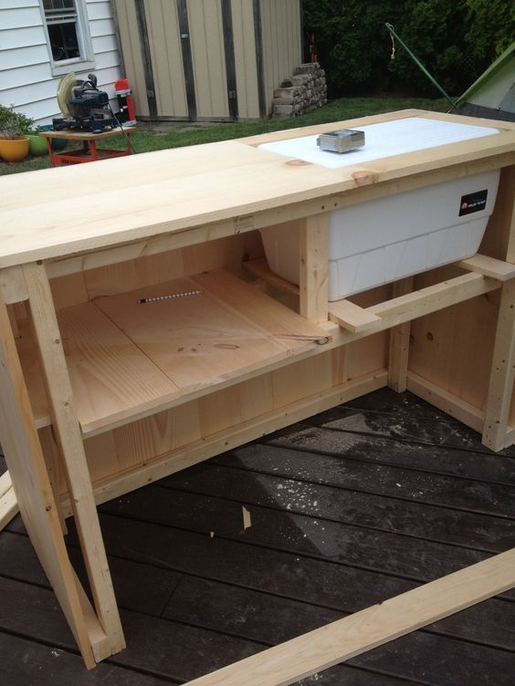 DIY Steps For Outdoor Bar With Built In Cooler
