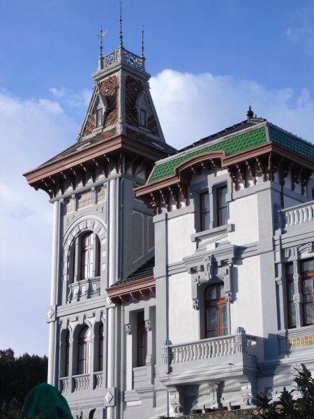 Villa Rosario ~ http://zanobbi.wordpress.com/otras-casas-otras-cosas/villa-rosario-ribadesella/