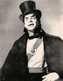Sivad!  Memphis' Horror Host of Fantastic Features, who scared the bejesus out of millions of kids like me in the 60s! (Out of character, he was Watson Davis, an executive with Malco theaters.)