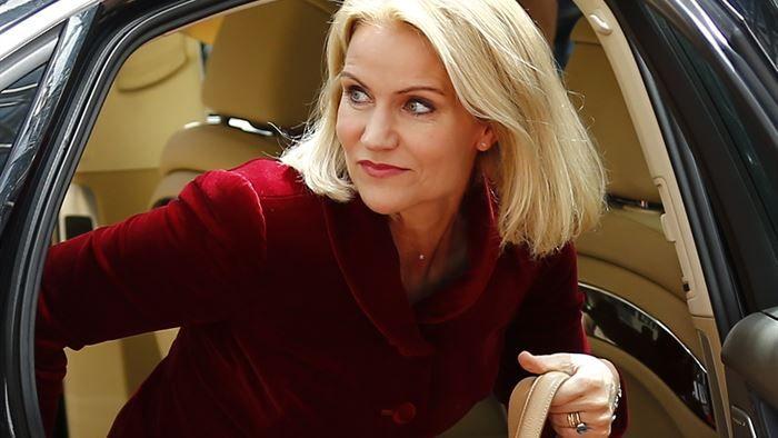 2015-09-12 Svensk regering tøver med at støtte Thorning som flygtningehøjkommissær   Politik   DR
