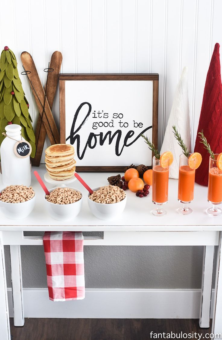 Fresh Juice Bar Brunch Party Idea for Christmas, holidays, or any time of year really - Love how it has a healthy spin on this, and the juices look SO pretty!