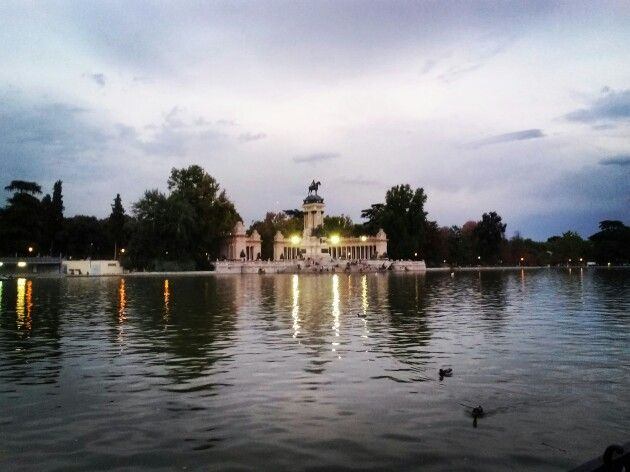 Rark del Retiro, Madrid #Spain #Madrid #plaza #travel