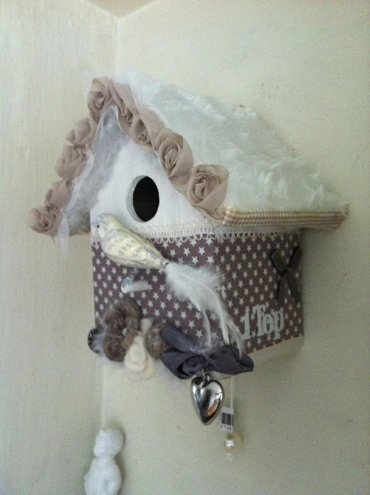 vogelhuisje in natureltinten, cadeautje van klas 1Top voor een juf die met zwangerschapsverlof gaat.