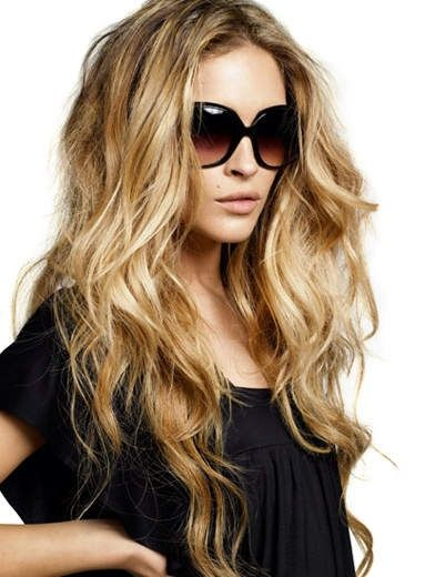 i wish i could pull off my hair parted in the middle