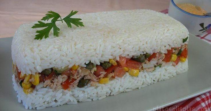 Si te gustan los pasteles de pan de molde salado, prueba este similar donde la…