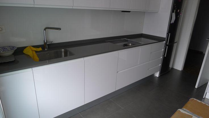 Vista muebles bajos cocina