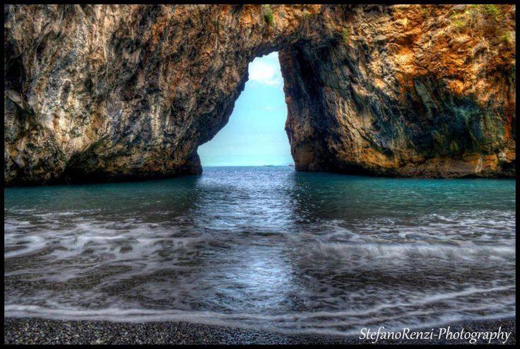 *ITALY ~ Una spiaggia nascosta in Calabria da vedere assolutamente   Spiaggia.Piksun.com