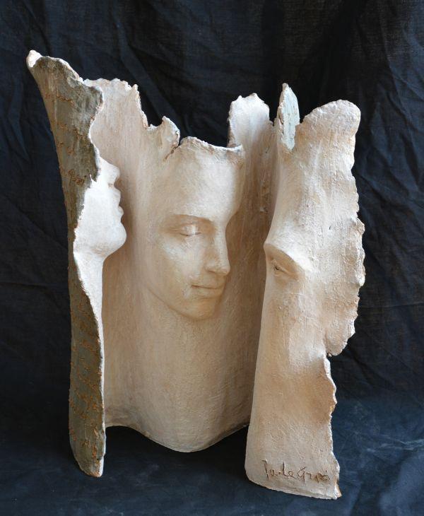 """Ara Mara Amara"" (The Three Graces), terracotta. Paola Grizi"