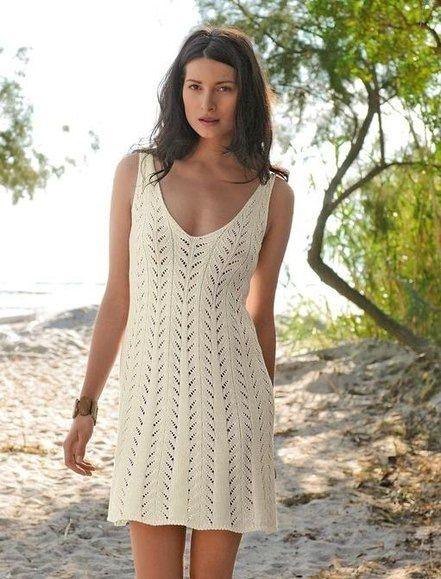 Очаровательное платье спицами