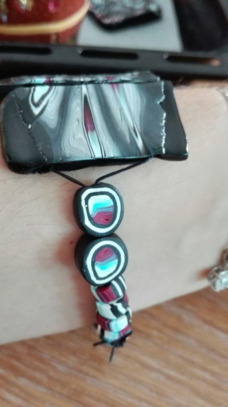 Bracelet detail, cane