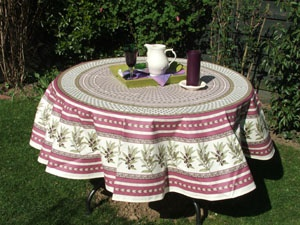 46 best textilien aus frankreich images on pinterest france textiles and tablecloths. Black Bedroom Furniture Sets. Home Design Ideas