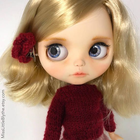 Hi! I am an ooak doll, I am unique, just like you! I have sleep eyes with new charms, gaze correction, boggled eyes and new eyelashes. Also I have a complete carving (nose, lips, philtrum…) and all eyechips have been replaced with custom eye chips made by my creator, Lou. I have a
