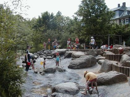 Wasserspielplatz, Landesgartenschau Wuerzburg 1990.